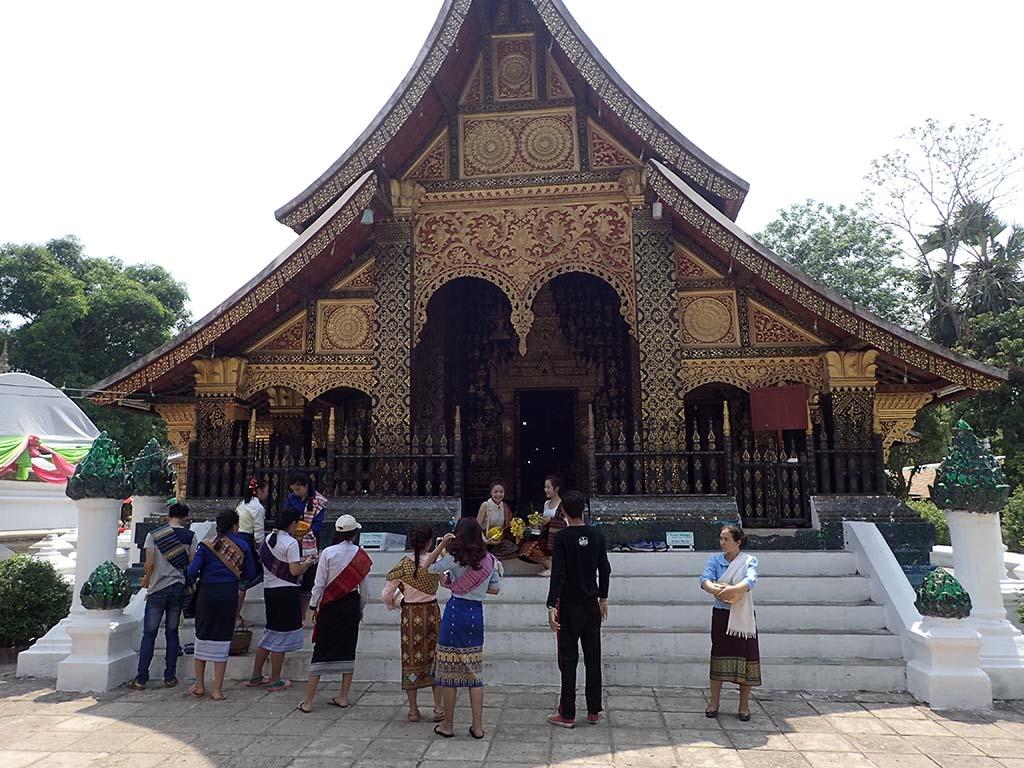 Одна из деталей фасада храма