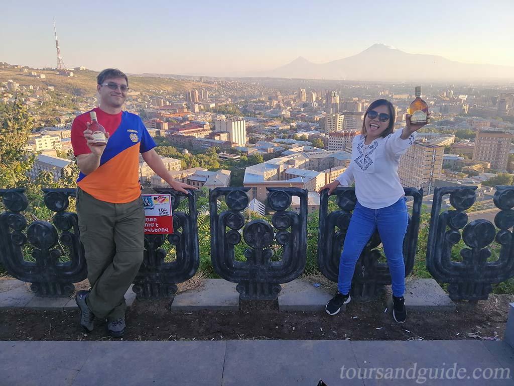 Горы Арарат, вид из памятника Матери Армении