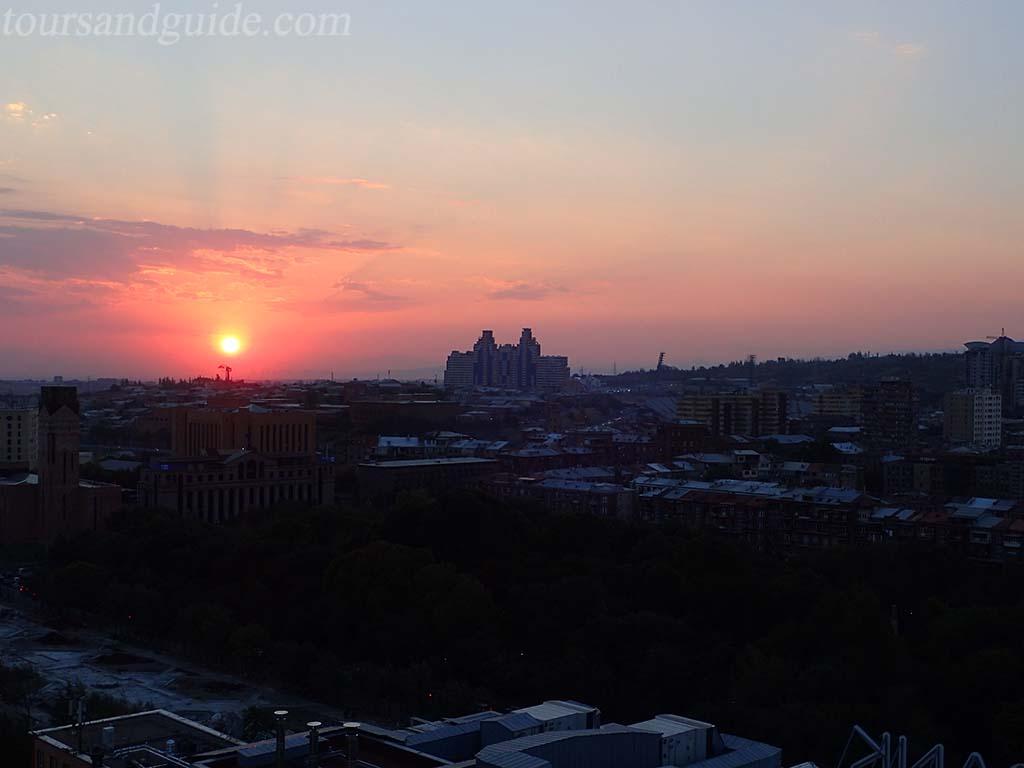 Закат над Ереваном